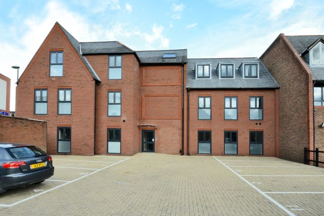 Thumbnail Flat to rent in St. Georges Industrial Estate, Wilton Road, Camberley