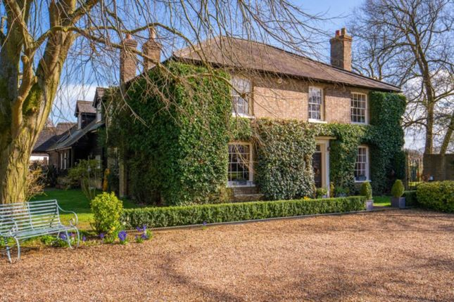 Thumbnail Country house for sale in Soulbury, Leighton Buzzard