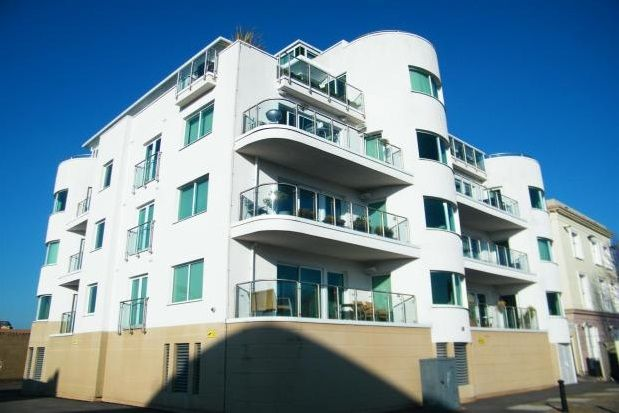 Thumbnail Flat to rent in Harbour Point, Cardiff Bay, Cardiff