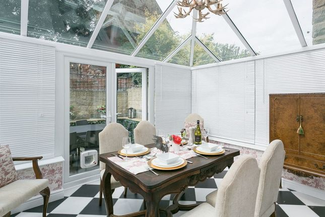 3 bedroom cottage for sale in Bakewell Road, Baslow, Bakewell