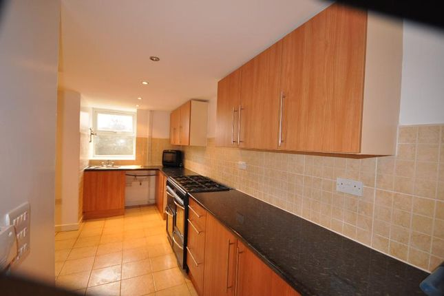 Thumbnail Shared accommodation to rent in Brudenell Avenue, Hyde Park, Leeds