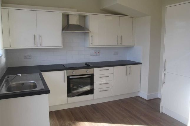 Terraced house to rent in Middleton Avenue, London