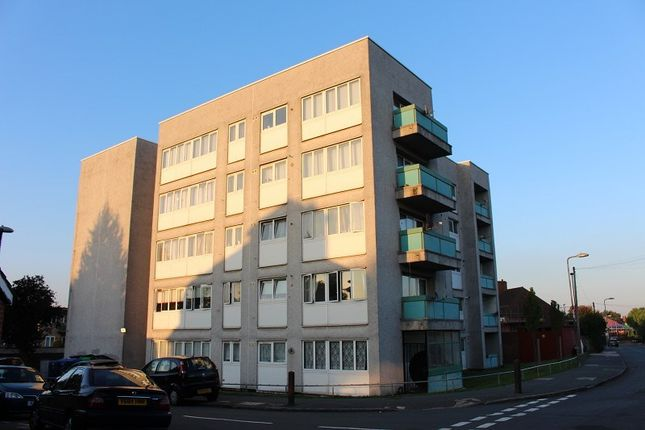 Thumbnail Flat to rent in Gavestone Road, London, Greater London