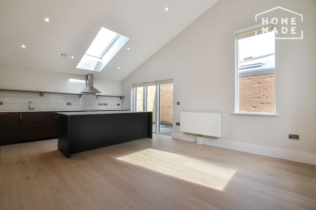 Thumbnail Mews house to rent in Charter Place, Hounslow