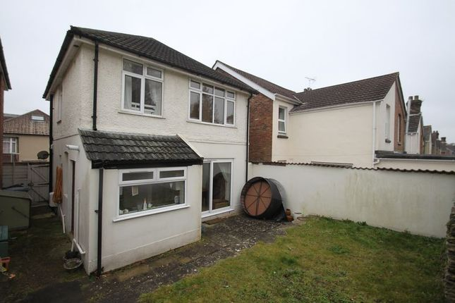 Thumbnail Detached house to rent in Courthill Road, Parkstone, Poole