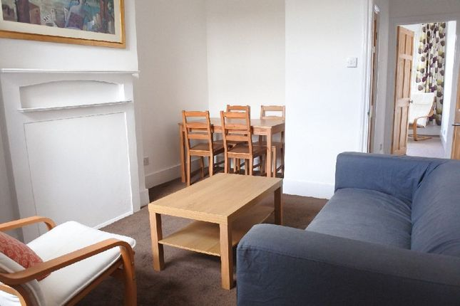 Thumbnail Flat to rent in Palmerston Road, London