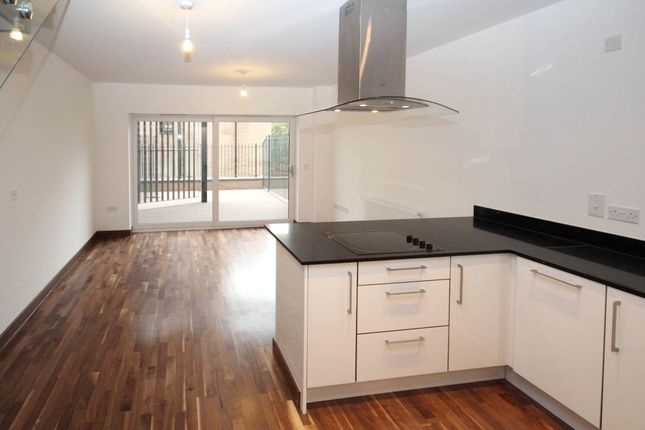 Thumbnail Duplex to rent in Flamsteed Close, Cambridge