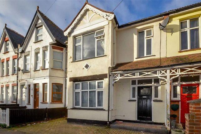 Thumbnail Flat for sale in Westcliff Park Drive, Westcliff-On-Sea, Essex