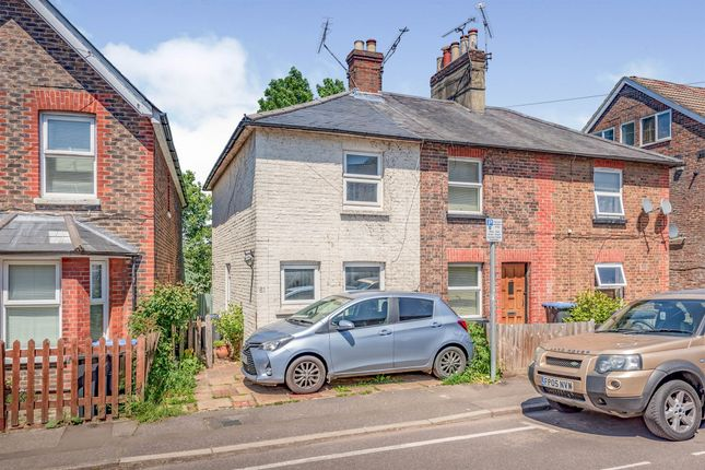 Thumbnail Terraced house for sale in Queens Road, East Grinstead