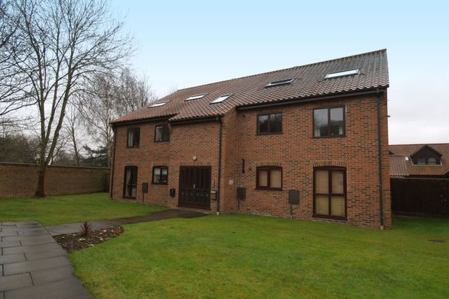 Thumbnail Flat for sale in Thorpe Hall Close, Norwich