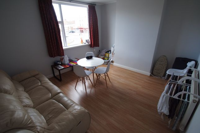 Thumbnail Flat to rent in Quinton Parade, Cheylesmore, Coventry