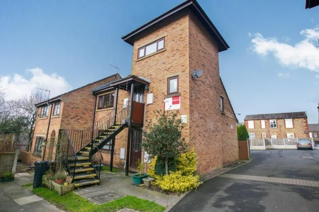 Thumbnail Flat for sale in Jubilee Gardens, New Mills, High Peak, Derbyshire