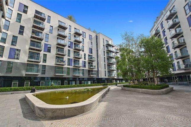 Thumbnail Flat for sale in Waterhouse Apartments, 3 Saffron Central Square, Croydon, Surrey