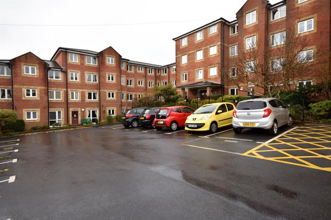 Thumbnail Flat to rent in Gower Road, Sketty, Swansea