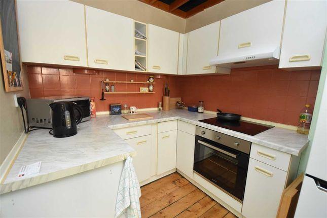 Kitchen of Glebe Park, Inverkeithing KY11