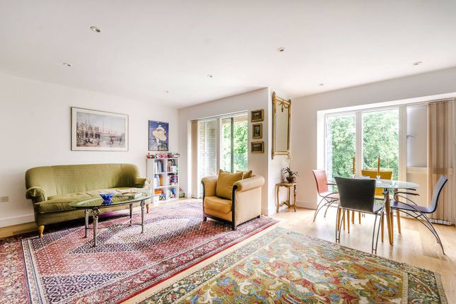 Thumbnail Flat for sale in Westking Place, Bloomsbury