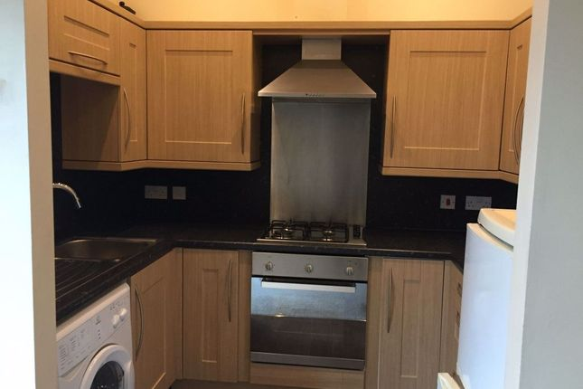 2 bed flat to rent in Market Place, Normanton WF6