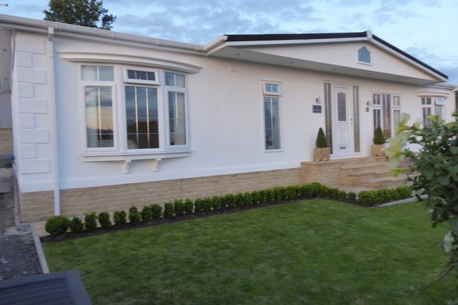 Thumbnail Mobile/park home for sale in Leven Bank Road, Yarm, Cleveland