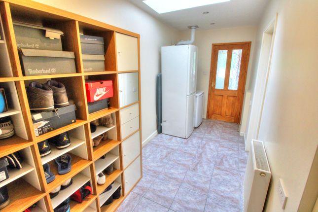 Utility Room of Delves Crescent, Walsall WS5
