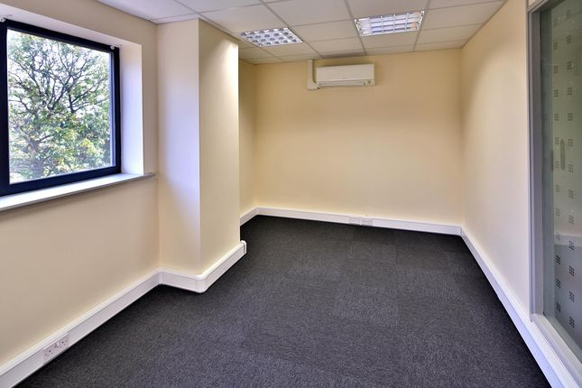 Serviced office to let in Main Road, Long Bennington
