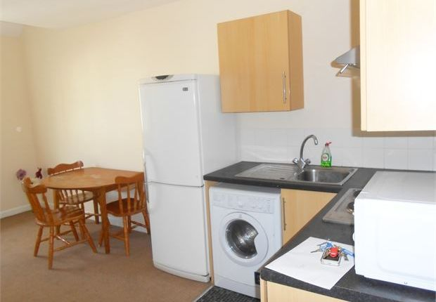 2 bed shared accommodation to rent in St Helens Road, Central, Swansea, West Glamorgan.