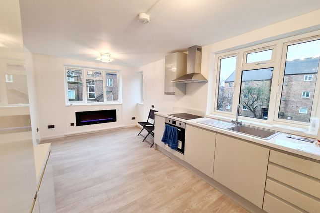 3 bed flat for sale in Diploma Court, Diploma Avenue, East Finchley N2