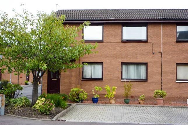 Thumbnail 2 bedroom flat to rent in Bell Court, Grangemouth