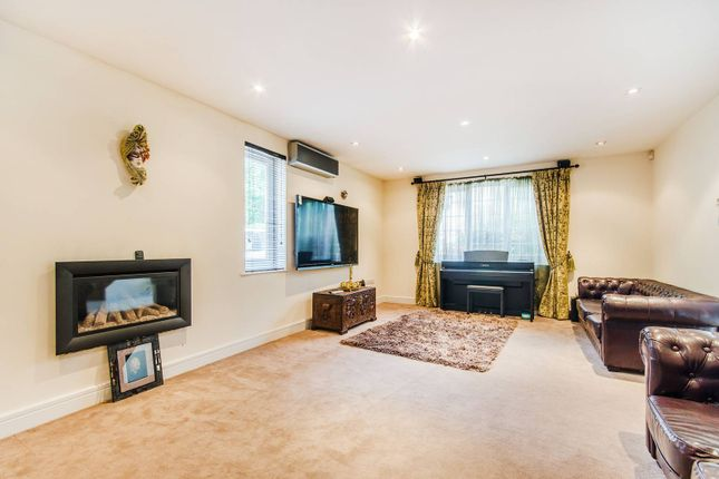 Thumbnail Detached house to rent in Alison Close, Pinner