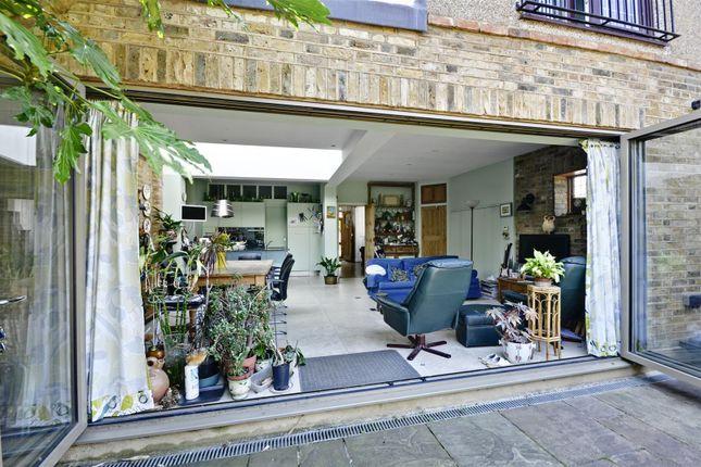 Living Room of Kent Gardens, Ealing, London W13