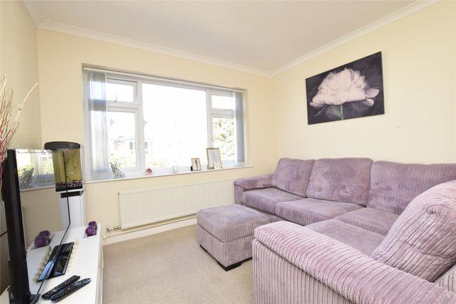 Thumbnail Maisonette to rent in Queens Park Road, Harold Wood, Romford