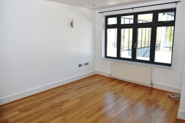 Thumbnail Duplex to rent in Witham Road, West Ealing