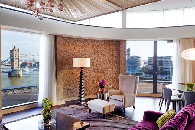 Thumbnail Flat to rent in Lower Thames Street, Tower Bridge