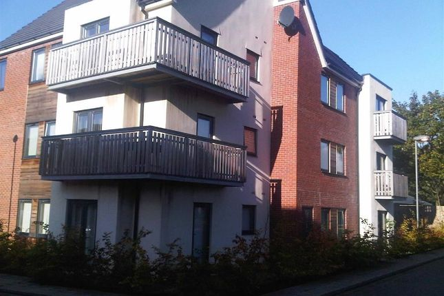 Thumbnail Flat to rent in 14, The Place, Swinton