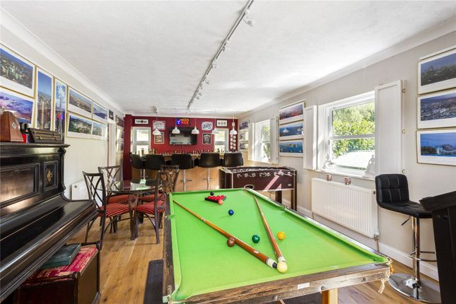 Picture No. 29 of The Glade, Kingswood, Tadworth, Surrey KT20