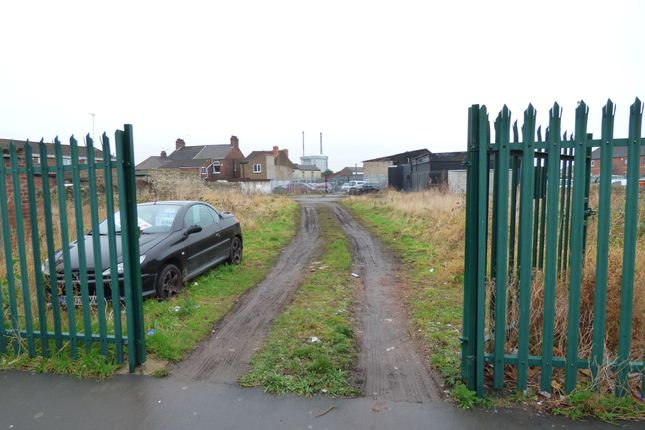 Thumbnail Land to rent in Racca Green, Knottingley
