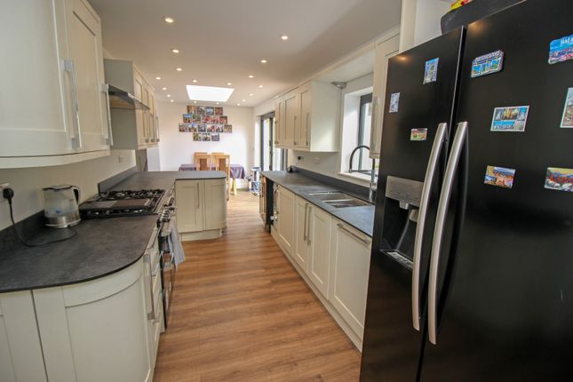 Thumbnail Bungalow for sale in Rochester Road, Halling, Kent