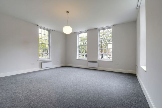 Thumbnail Flat for sale in Worsley House, Hessle Road, Hull