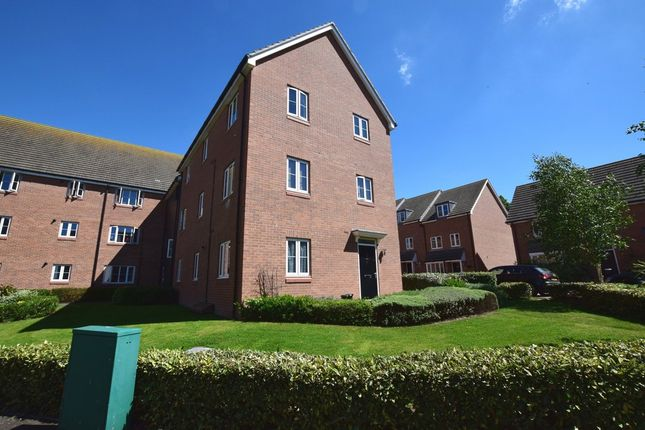 Thumbnail Flat for sale in Perryfields, Braintree, Essex