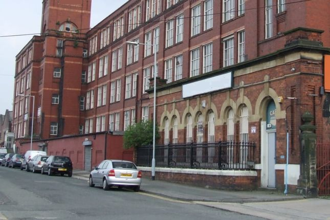 Industrial to let in Stockport, Manchester