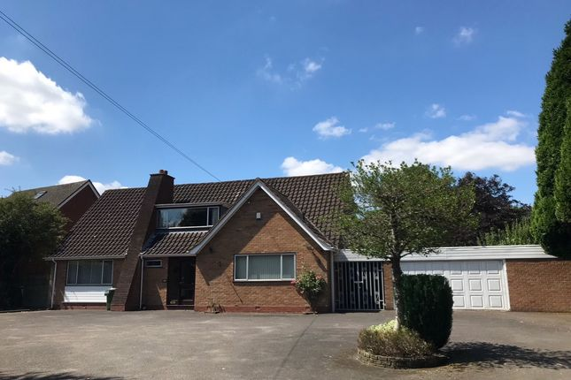 4 bedroom detached bungalow to rent in Alcester Road, Wythall, Birmingham, West Midlands