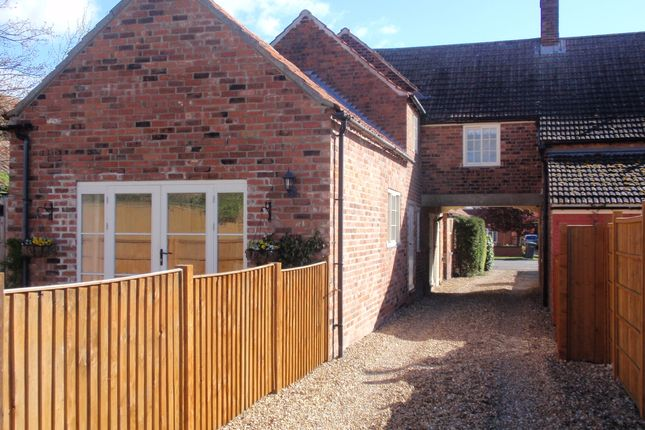 Thumbnail Barn conversion to rent in High Street, Swinderby, Lincoln