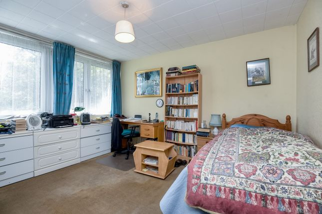 Bedroom1 of Barringer Square, London SW17