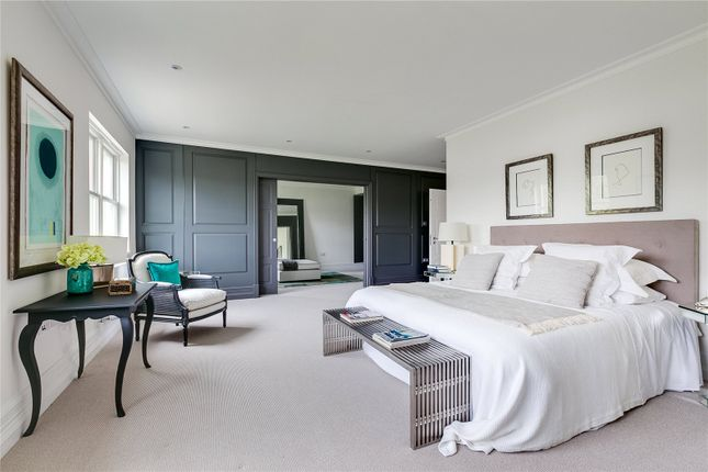 Master Bedroom of Roehampton Gate, Richmond Park, London SW15