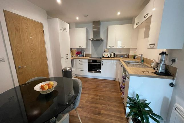 Flat for sale in Salisbury Road, Southall