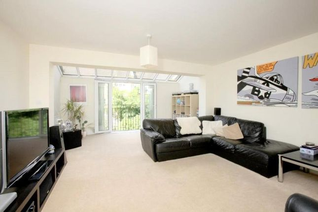 Thumbnail Property to rent in Edgar Wallace Close, London