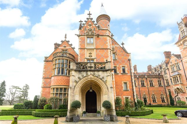 Thumbnail Flat for sale in Wyfold Court, Kingwood, Henley On Thames