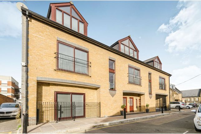 Thumbnail Flat for sale in Prince Of Wales Terrace, Chiswick