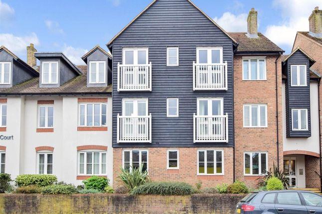 Thumbnail Flat to rent in Queen Street, Arundel