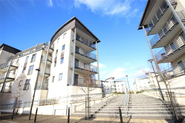 2 bed flat to rent in Mistletoe Court, Old Town, Swindon, Wiltshire SN1
