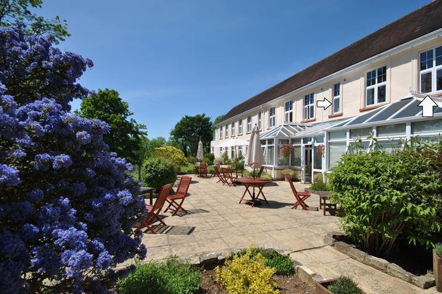 1 bed flat for sale in Flat 17 Alexander Hall, Avonpark, Bath, Wiltshire